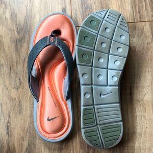 Nike Gray & Orange Flip Flops w Comfort Footbed 10